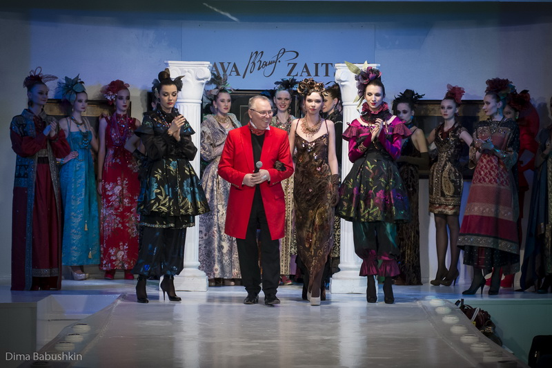 Традиции это хорошо: Показ Haute Couture в Доме Моды Slava Zaitsev