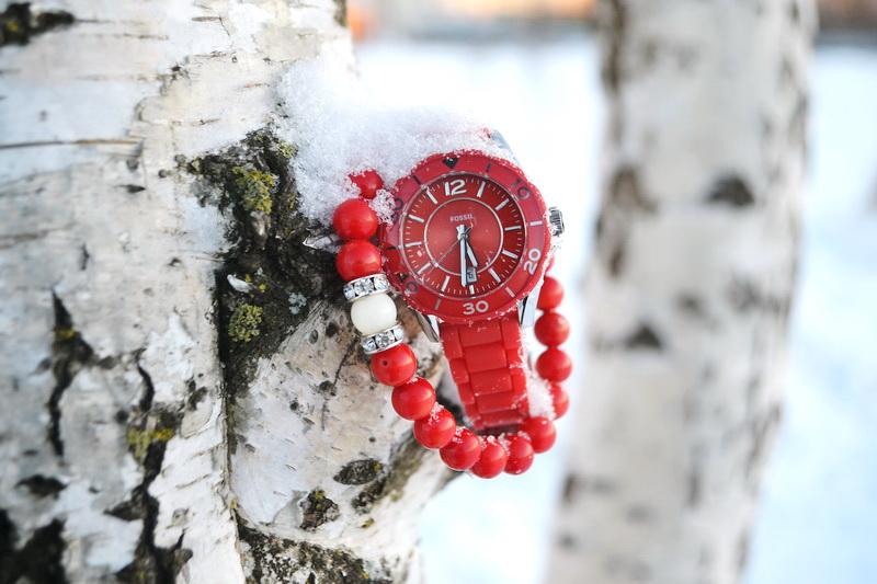 Важные детали: Волшебство красного - часы Fossil и браслет Anna Slavutina