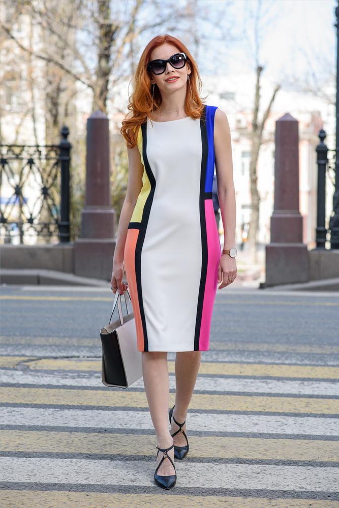Детали: платье Joseph Ribkoff, сумка Coccinelle.