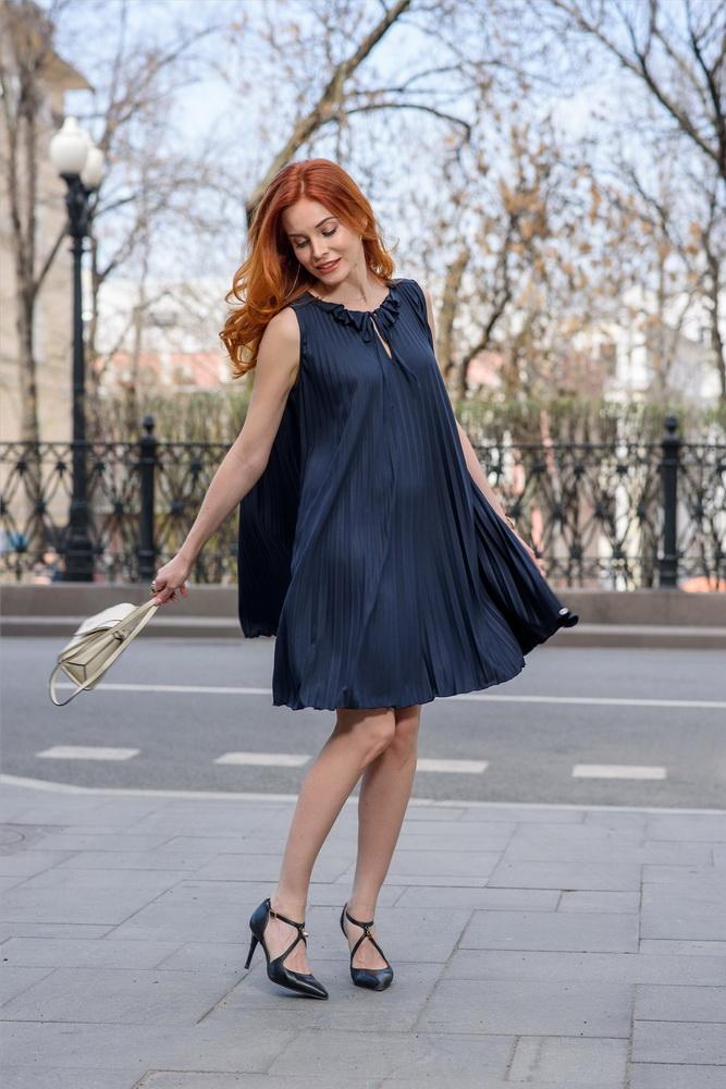 Детали: платье Penny Black, Guess.