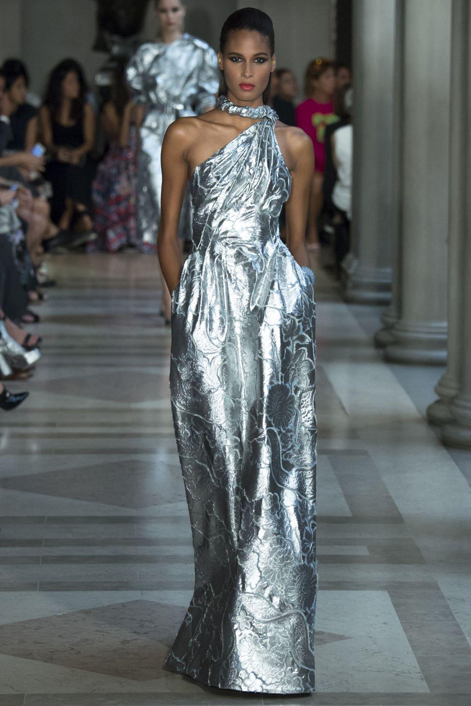 Carolina Herrera New York. Топ-10 вдохновляющих платьев этого лета