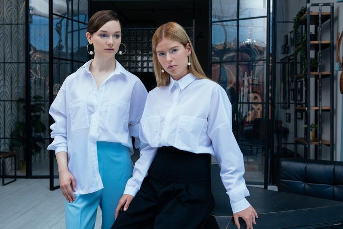 LAVLAN запустил инновационные рубашки для деловых горожанок