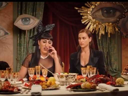 Scandal: Ирина Шейк и Росси де Пальма в рекламе аромата Jean Paul Gaultier